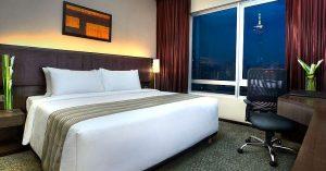 furama_hotel_bukit_bintang_deluxe_room